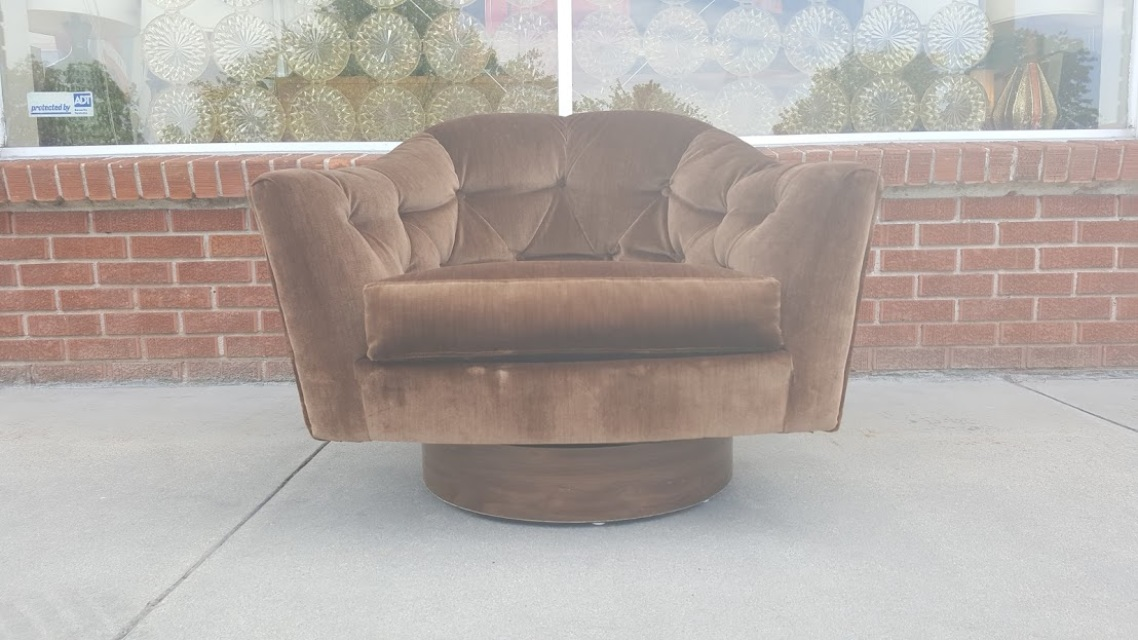 Milo Baughman Style Swivel Club Chair